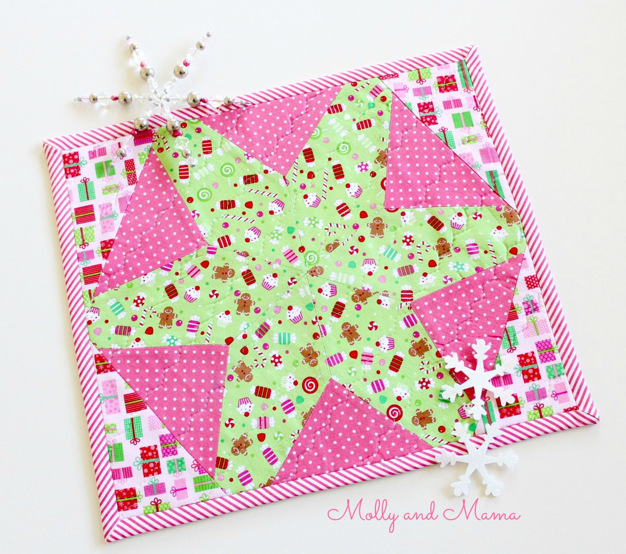 quilted Christmas placemat by Molly and Mama