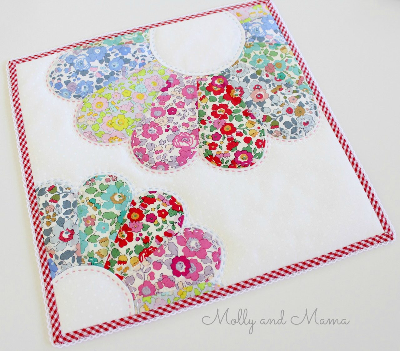 dresden-mini-quilt-by-molly-and-mama-12