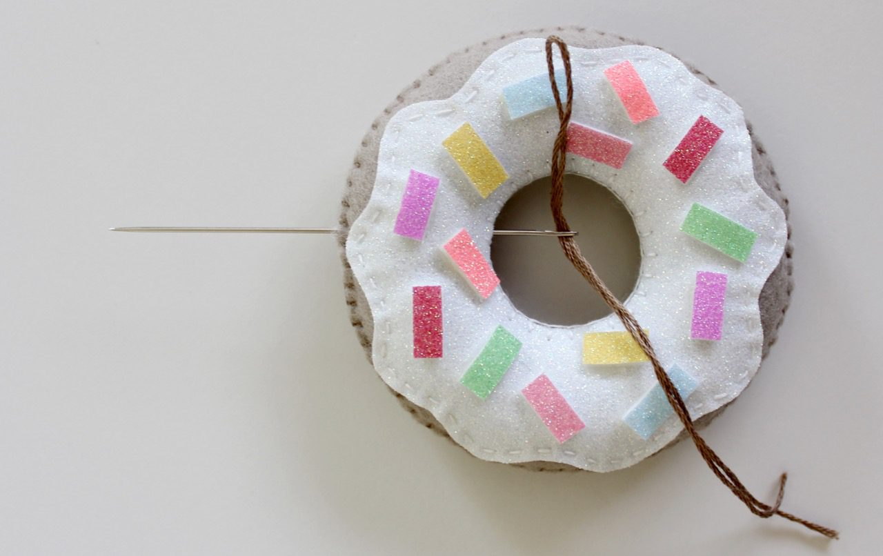 felt-donuts-from-molly-and-mama-11