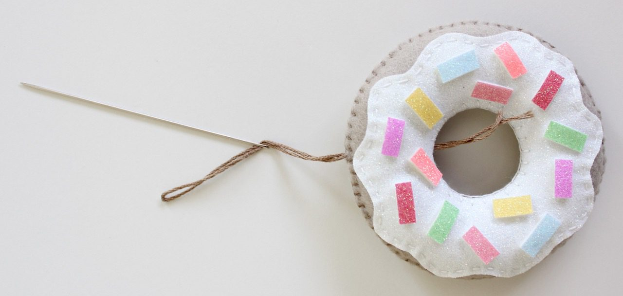 felt-donuts-from-molly-and-mama-12