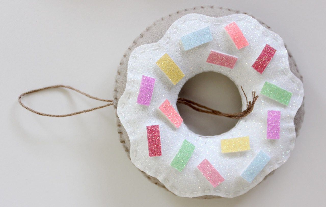 felt-donuts-from-molly-and-mama-14