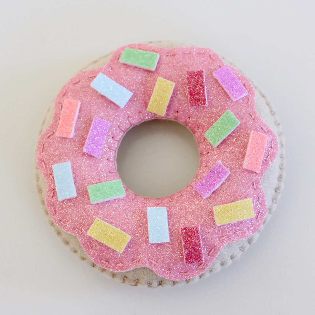 felt-donuts-from-molly-and-mama-8